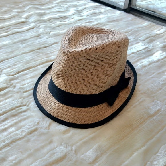 f97beab4c Urban Outfitters Straw Hat with Black Bow